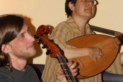 Pascale Boquet bei der JamSession mit The Playfords (im Bild Benjamin Dressler)